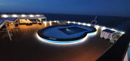 Atmospheric Pool Lighting